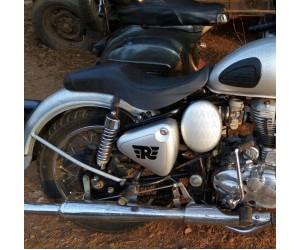 Royal enfield R logo sticker on Royal Enfield classic 350 silver tool box