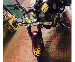 Yellow star sticker for Royal Enfield classic 350 mudguard